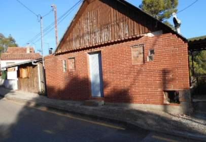 Chalet pareado en calle Iglesia, nº 32
